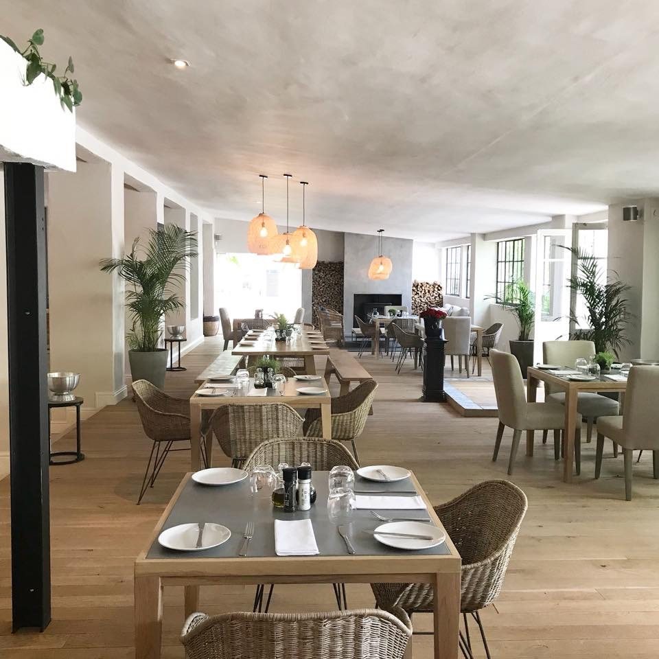 La Paris Bistro Deli Has Opened Outside Franschhoek A Beautiful Estate On Which Vines Have Been Planted For The Production Of Sparkling Wine