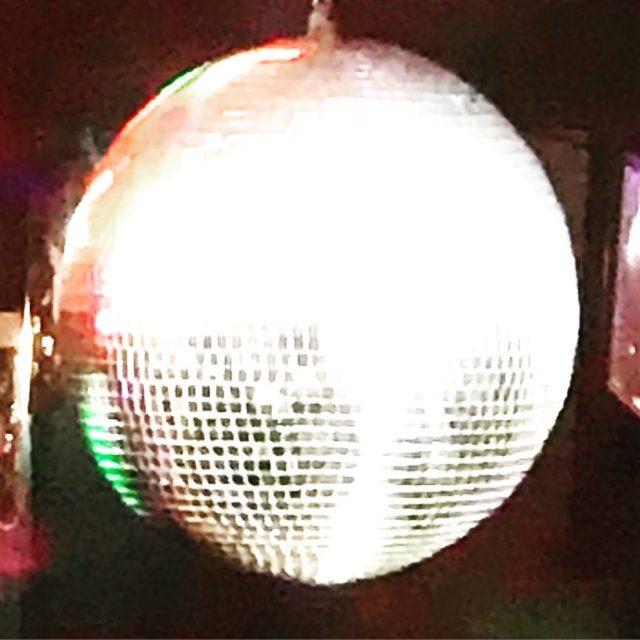 discoball at dizzyspub campsbay dj riaan whaletalesblog lovemylife