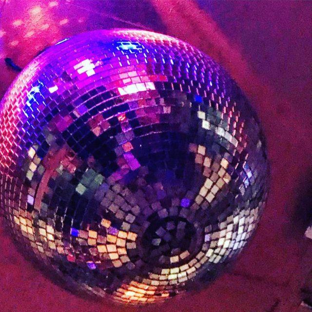 discoball dizzyspub campsbay capetown whaletalesblog lovemylife